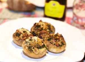 Funghi ripieni con salsiccia e spinaci affumicati al Jack Daniel's